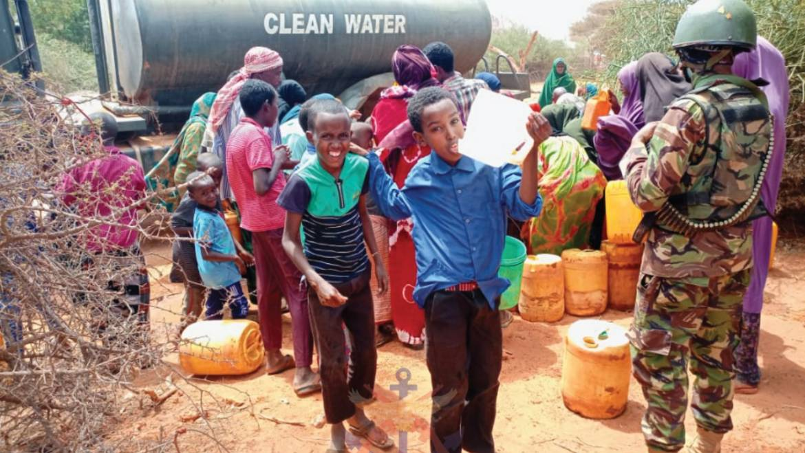 KENYA ARMY DISTRIBUTES WATER TO RESIDENTS OF MODOGASHE,