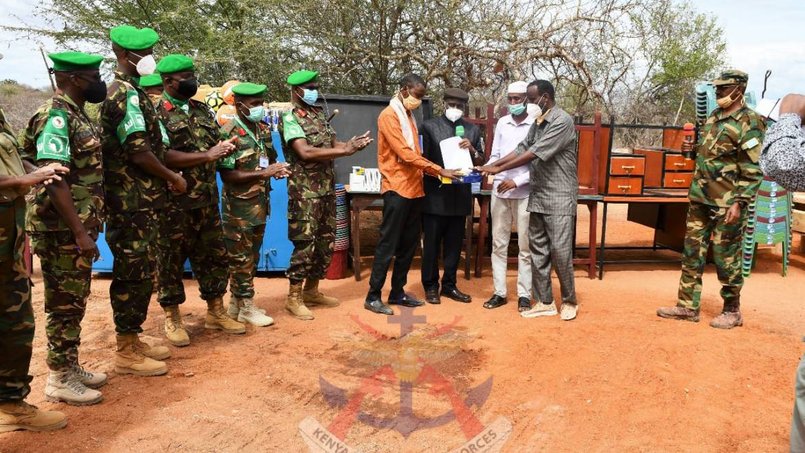 AMISOM HANDS OVER LEARNING MATERIALS TO GHERILLE PRIMARY SCHOOL