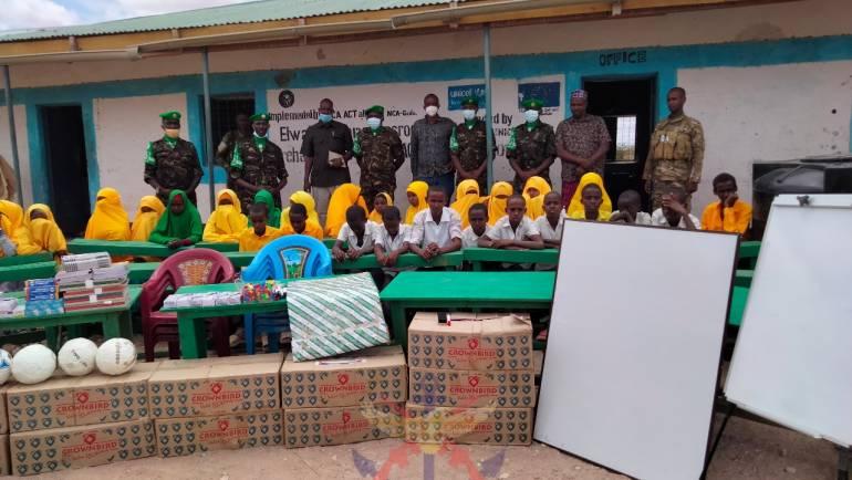 AMISOM TROOPS DONATE SCHOLASTIC MATERIALS IN BURAHACHE*